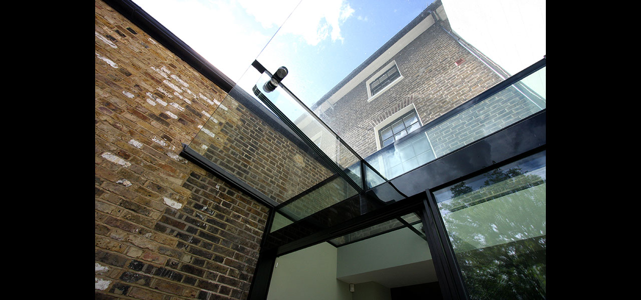 Warwick Gardens Contemporary Side Infill Glass Extension