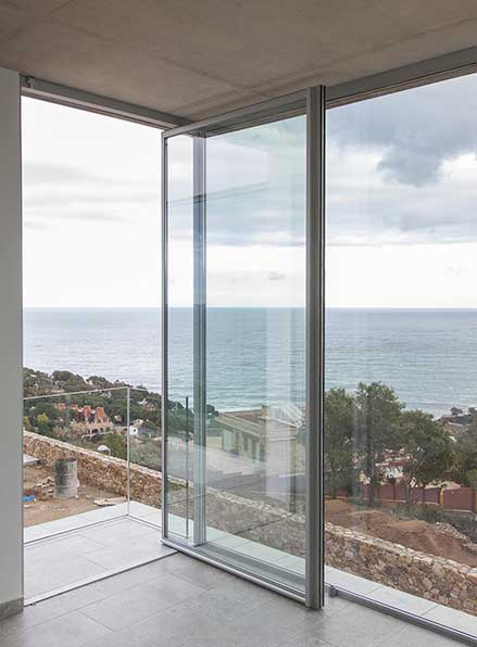 Vitra Pivot Pivot Door IQ Glass