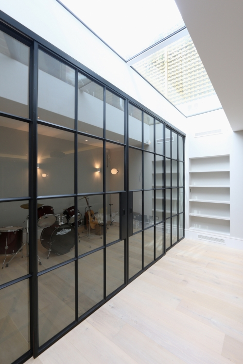 The System Is Available To View At Our Architectural Glazing Showroom In Amersham So Please Do Contact Us Arrange Your Consultation With One Of Glass